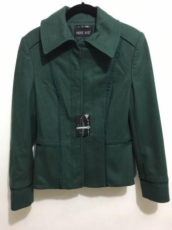 Abrigo verde nuevo