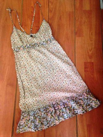 Vestido floral floreado primaveral de tirantes H&M