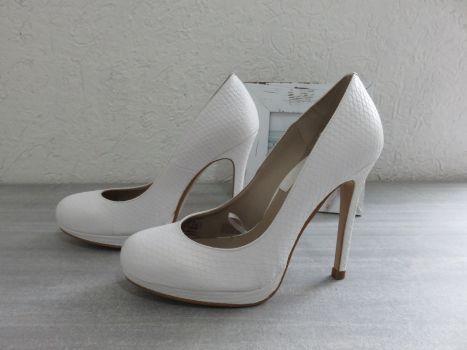 REMATE Zapatillas con plataforma blancos Zara