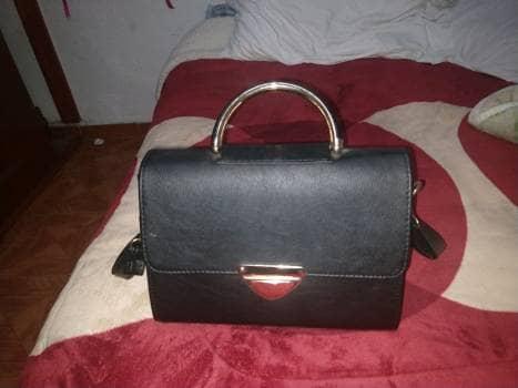 Bolsa linda color negra