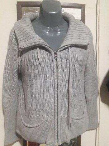 AEO suéter tejido