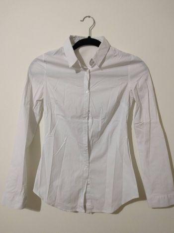 Camisa de botones ajustada