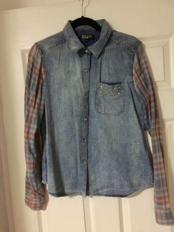 Camisa country de mezclilla y mangas cuadradas
