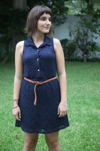 Vestido encaje azul marino