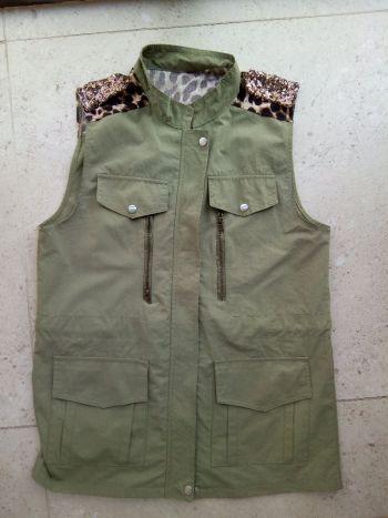 Chaleco verde militar