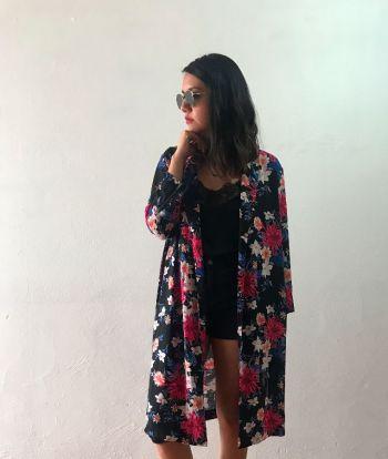 Kimono largo con print de flores