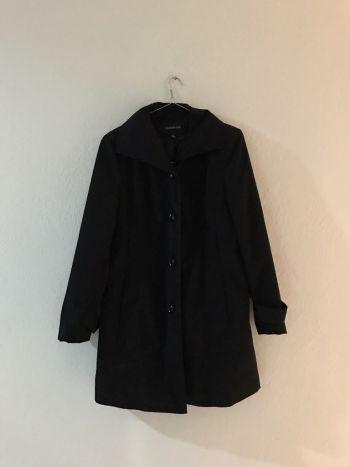 Abrigo color negro