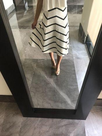 Falda larga de rayas blanco y negro