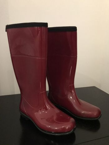 Botas rojas de lluvia