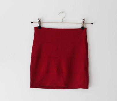 Falda color rojo