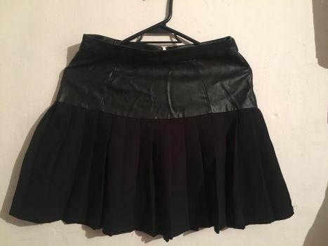 Falda negra tablones