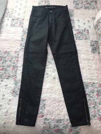 Pantalon Negro tipo encerado
