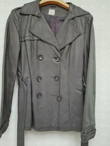 Abrigo tipo piel gris
