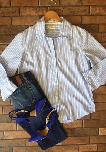 Camisa de lineas blancas