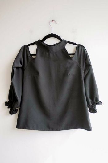 Blusa hombros cut out