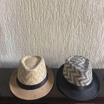 2x1 sombreros beige y negro