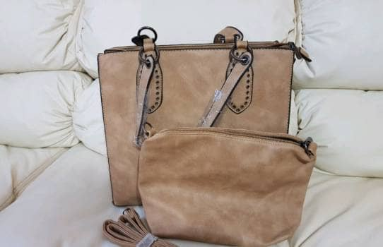 Combo bolsa y cosmetiquera
