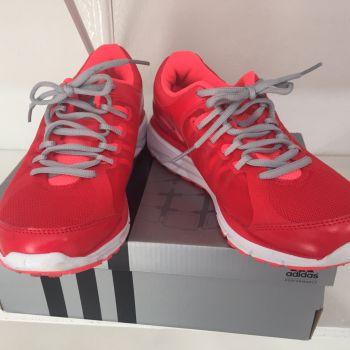 Adidas  adipure rojo
