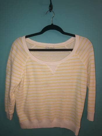 Suéter líneas amarillas