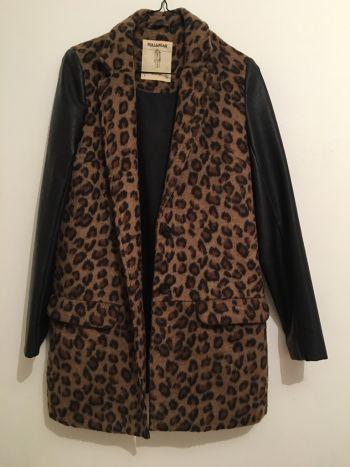 Abrigo de leopardo mangas de piel