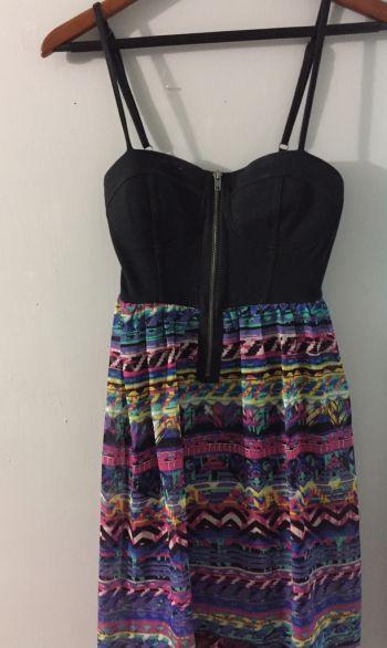 Vestido falda desnivel