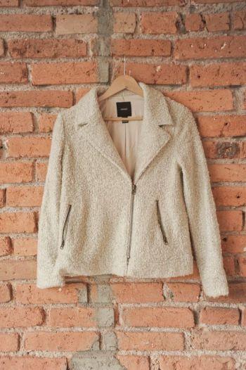Abrigo tipo suéter color beige