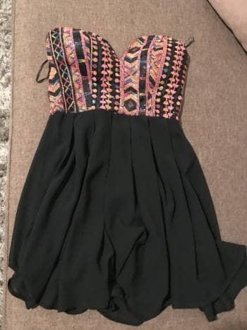 Vestido corto strapless