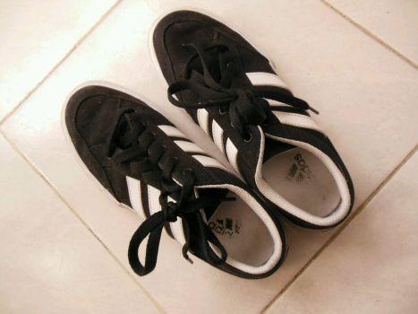 Adidas tennis blanco y negro