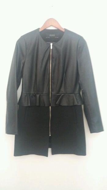 Abrigo polipiel Zara