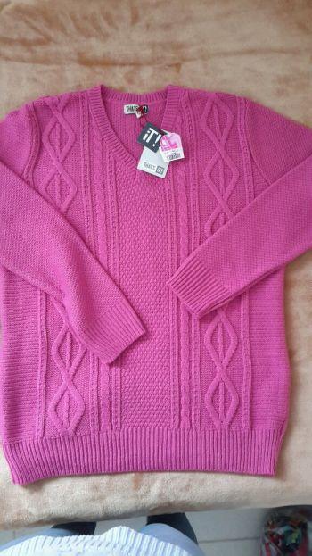 Suéter fucsia talla chica