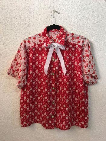 Blusa vintage floreada con moño