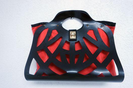 Bolsa de mano roja