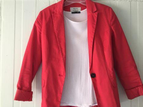 Blazer bershka S color rosa
