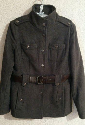 Abrigo gris con cinturon nicholas