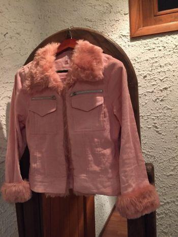 Chamarra de pana color rosa pastel