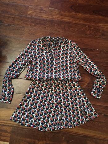Conjunto de Blusa (xs) y falda (m)