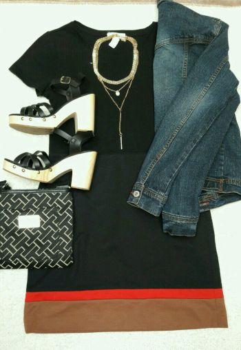 Falda negra con franjas chic