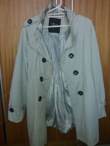 Gabardina / trench coat beige