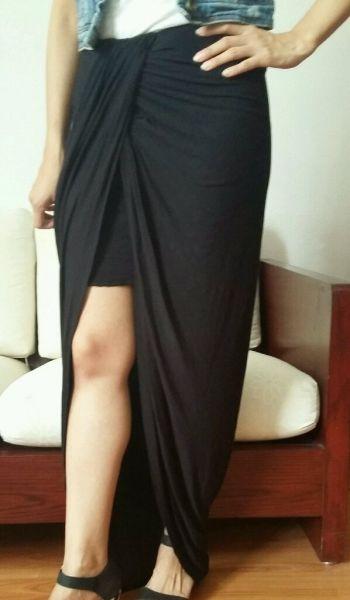 Maxi falda con abertura en frente