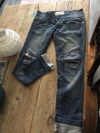 Jeans Bershka rotos y deslavados
