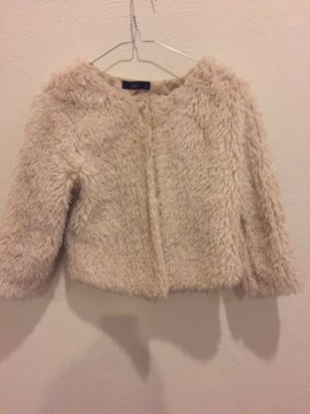Abrigo corto peludo