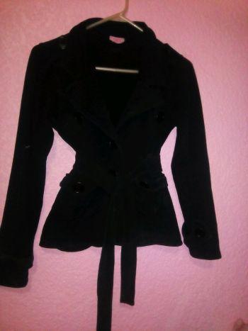 Abrigo corto con cinto