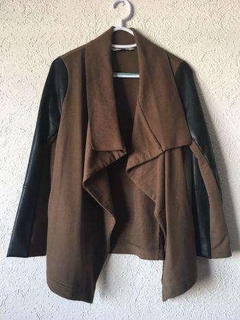Abrigo verde Pull & Bear