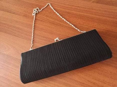 Bolsa negra elegante