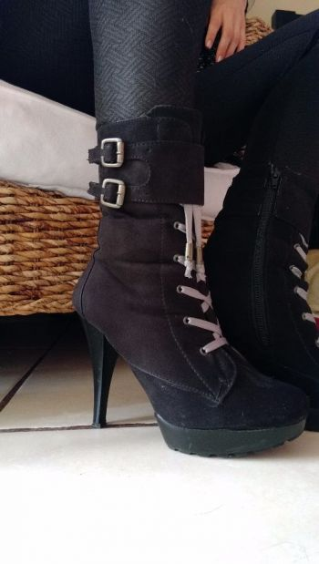 Botas negras gamuza