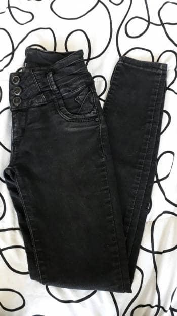 Jeans negro deslavado
