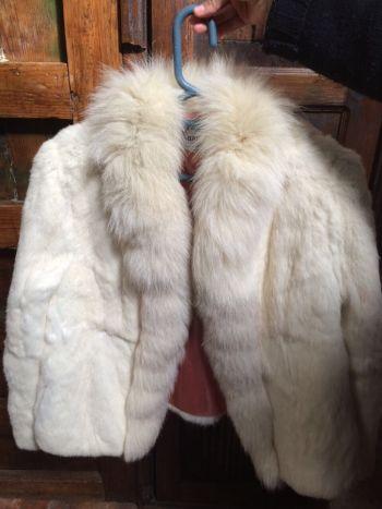 Abrigo de pelo blanco
