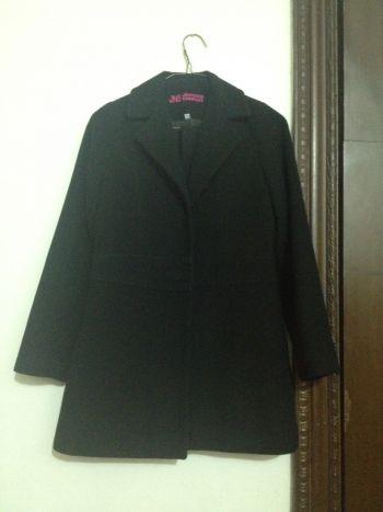 Abrigo color negro talla 14