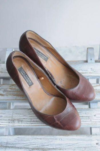 Zapatos cafés de tacón
