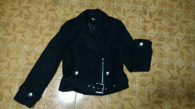 Abrigo Negro C&A